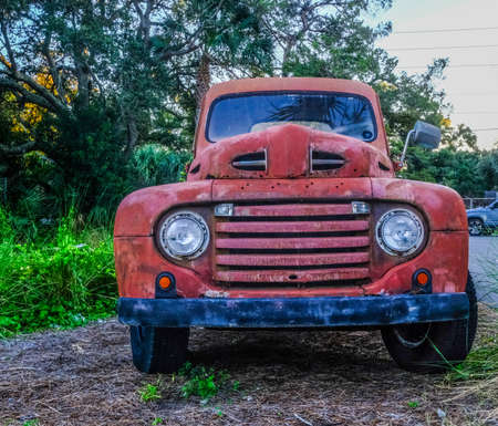Front Grill of Old Ford Truck Редакционное