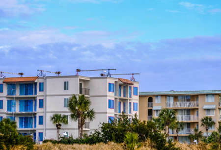 Scaffolding Cranes on Beach Condos Фото со стока