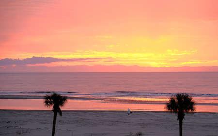 Pink Sea at Dawn Фото со стока