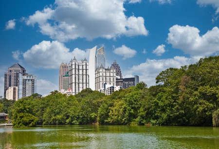 Atlanta From Piedmont Park Фото со стока