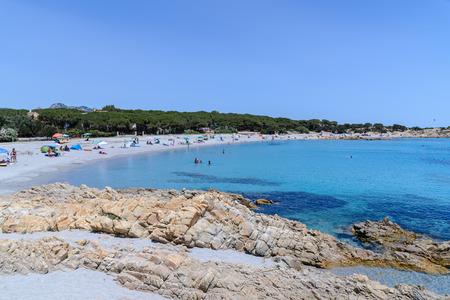 Belle mer dans le golfe d'Orosei en Sardaigne, Italie Banque d'images - 60727094
