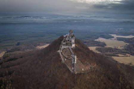 Bezdez Castle is a Gothic castle located some 20 kilometers (12 mi) south of? Esk? L? Pa, in Liberec Region, Northern Bohemia, Czech Republic. Redakční