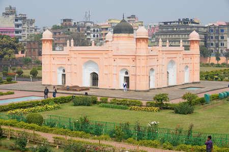 aisa: Dhaka, Bangladesh, February 22, 2014 - People visit mausoleum of Bibipari in Lalbagh fort in Dhaka, Bangladesh. Editorial