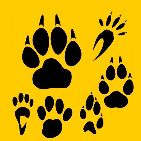 bear footprints: Footprints set - vinyl-ready illustration