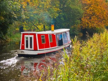 Kanalboot Standard-Bild
