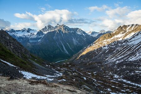 Pure wilderness of the remote Talkeetna Mountains miles from civilization as the snow melts in spring. Фото со стока