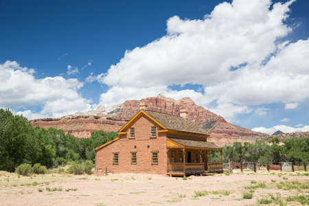 Large home from 1800's pioneer settlement in Utah Ghost Town. The building has been restored to original condition from nearly 150 years ago. Редакционное