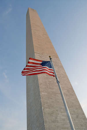 American Flag in the Breeze at the Washington Monument Banque d'images