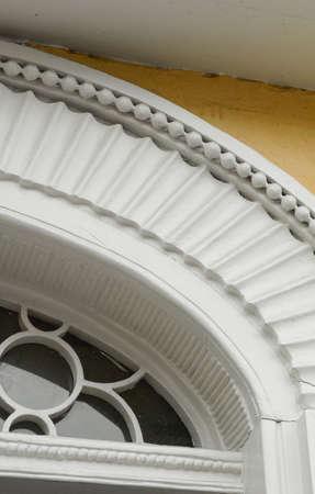 Beautiful Greek Revivalstyle door surround in Charleston South Carolina. Elegant craftsmanship. Banque d'images