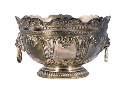 gegraveerde vintage zilveren schaal geà ¯ soleerd op een witte achtergrond Stockfoto