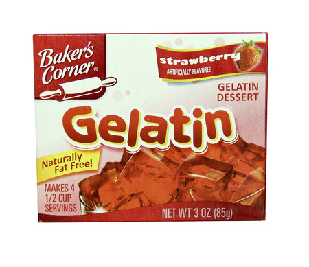SPENCER , WISCONSIN - JANUARY  21, 2014 : box of Bakers Corner Gellatin strawberry flavor. Bakers Corner is a leading manufacturer of Gelatin products. Редакционное