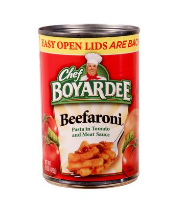 SPENCER, WISCONSIN Sept.5, 2014: Kan van Chef Boyardee Beefaroni. Chef Boyardee is een merk van ingeblikte deegwaren en werd opgericht in 1928 Redactioneel