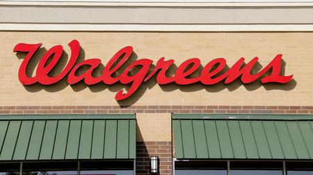 SPENCER, WISCONSIN Sept.13, 2014: Walgreens teken op de winkel voorzijde van het gebouw. Walgreens is de grootste Drug detailhandel-keten in de Verenigde Staten. Redactioneel