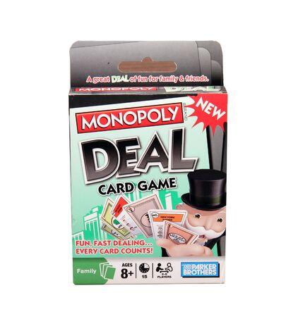 monopolio: SPENCER, WISCONSIN, abril 19, 2015 Juego de Monopoly tarjeta Deal. Monopoly Juego de Cartas trato es producido y vendido por Parker Brothers bajo licencia de Hasbro