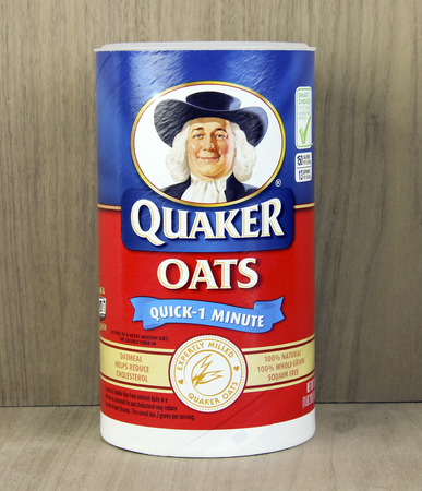quaker: SPENCER , WISCONSIN, April, 22, 2015   Box of Quaker Oats Cereal. Quaker Oats is an American Food Company founded in 1901 Editorial