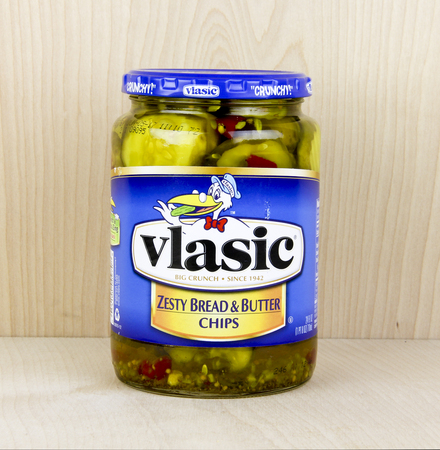 zesty: Spencer, Wisconsin, May, 26, 2016  Jar of Vlasic Zesty Bread and Butter Pickles  Vlasic is an American brand of pickles owned by Pinnacle Foods