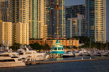 ビスケーン湾、マイアミビーチ、フロリダ州、アメリカ合衆国