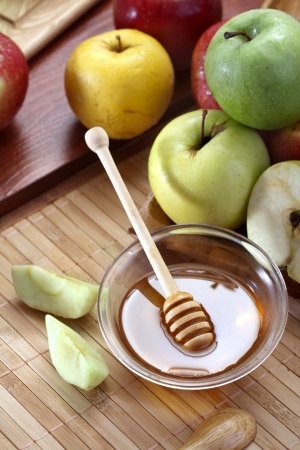 Honey and apples Stock Photo - 20177769