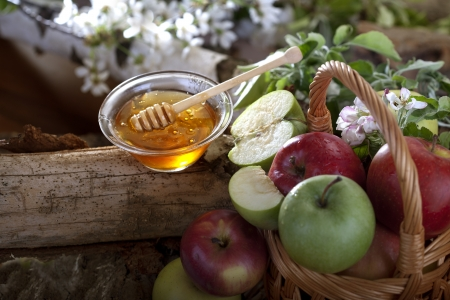 jewish new year: Honey and apples