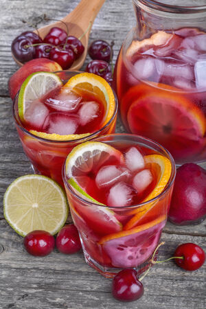 juice bar: Ice refreshing summer drink with lots of different fruits