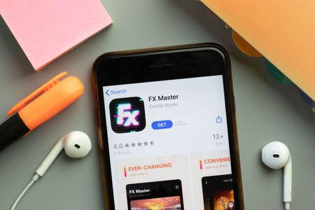 New York, United States - 7 November 2020: FX Master app store logo on phone screen, Illustrative Editorial. 新闻类图片