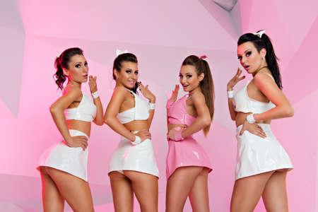 verbaasd sexy meisjes die zich voordeed Stockfoto