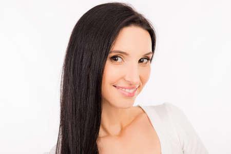 mujer asiática joven hermosa con el pelo largo sonriendo Foto de archivo
