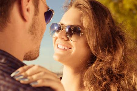 Close-up Foto von umarmt Paar in der Liebe