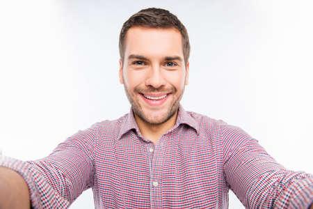 bel homme: Selfie du beau jeune homme