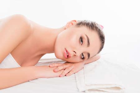 Portrait der Ruhe sinnliche Frau Entspannung im Wellness-Salon