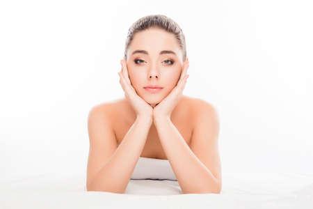 sauna nackt: Sensitive happy woman going to do prosedures in spa salon Lizenzfreie Bilder