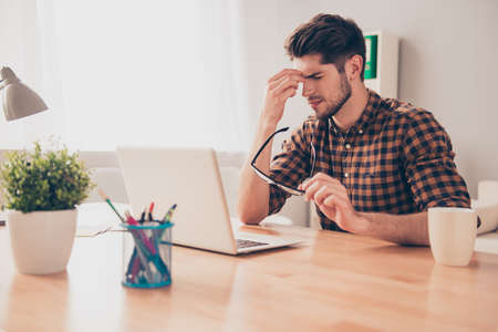 way of thinking: Overworked minded man thinking about way to complete task