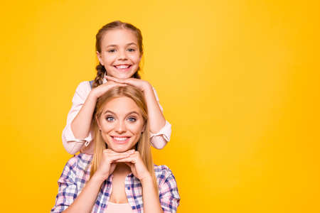 Offspring emotion expressing concept. Close up portrait of cheerful excited funny funky cute nice lovely sweet family photo isolated on bright vivid background copyspace Banco de Imagens - 105869660