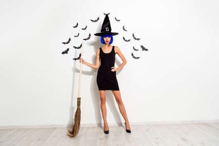 Full length, legs, body, size portrait of sllim, tempting, seduc Standard-Bild - 112337084