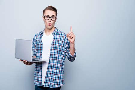 Ich weiß, was zu tun ist Nahaufnahme Porträt von Smart Teen Blick auf Kamera