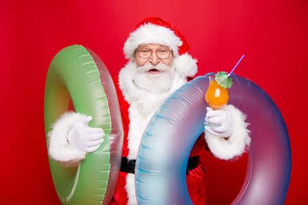 Holly jolly eve december noel. Careless kind aged mature Santa i 版權商用圖片