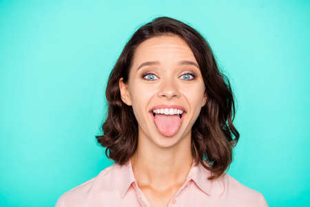 Close-up portrait of nice cheery cheerful hilarious optimistic e Stockfoto