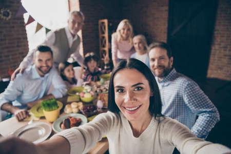 Autorretrato de familia encantadora