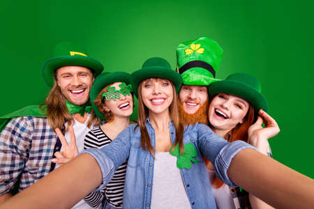 Close up photo cheer glad company five friends tradition national day funny funky specs casual outfit clothes saint paddy day laugh laughter isolated on bright vivid green background
