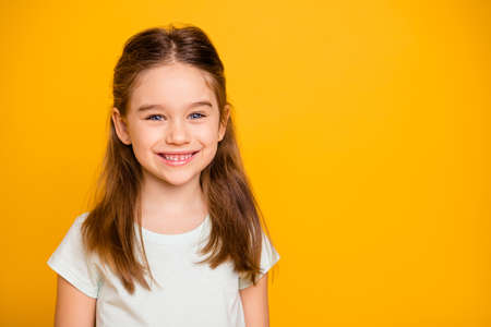 Portrait of her she nice-looking cute winsome sweet attractive lovely pretty cheerful cheery positive caucasian pre-teen girl isolated over bright vivid shine yellow background 스톡 콘텐츠