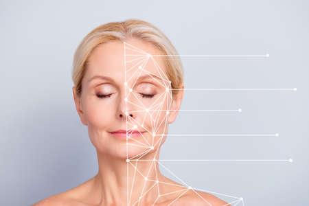 Collage-Nahporträt einer schönen charmanten hübschen attraktiven Frau mit perfekter glatter weicher Haut nach Creme-Balsam-Masken-Lotion-Linien, die Stellen des Gesichts einzeln auf grauem Pastellhintergrund zeigen