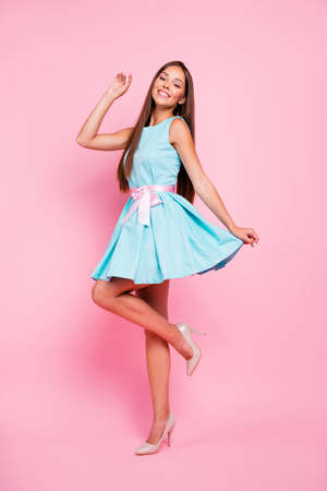Vertical full length body size view portrait of her she nice-looking sweet attractive stunning fascinating cheerful straight-haired lady having fun dancing day isolated over pink pastel background Foto de archivo