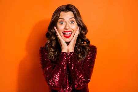 Portrait of impressed astonished girl hear incredible news about black friday sales wonder scream wear good-looking clothing isolated over bright color background Foto de archivo - 133730330