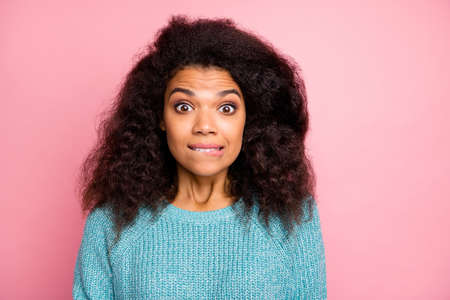 Photo of funny woman expressing astonished emotions on face looking at you being guilty about doing wrong isolated pastel color background Archivio Fotografico
