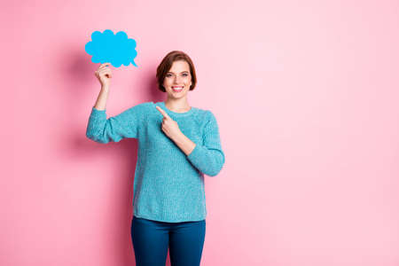 Portrait of her she nice attractive pretty lovely charming cheerful cheery brown-haired girl demonstrating cloud copy space message isolated over pink pastel color background Stock fotó