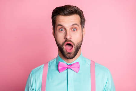 Close-up portrait of his he nice attractive stunned bearded guy artist gentleman mc sale discount news reaction opened mouth stupor isolated over pink pastel color background