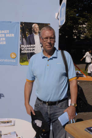 iquest: SWEDEN  MALMOE .Staffan Appelros Moderaterna politic arty member and member of swedish parliament and candiate for Region Skaane ( sk&iuml,&iquest,&frac12,ne)at compaignign for moderaterna party and his onw candidatncey at mamlo today for swedish generl  Editorial