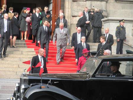 corona de princesa: Dinamarca  familia real de Copenhague .Danish H.M.the reina Margarita II, su esposo el Pr�ncipe Henrik de Dinamarca, Cornw Pr�ncipe frederik y corona Mar�a, joachim de Pr�ncipe y Princesa Marie y reina hermana la princesa Benedikte llega a apertura de po danesa