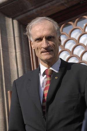 polictis: DENMARK  COPENHAGEN . Berlel Haarder danish minister for health infron of christiansborg 5 October 2010