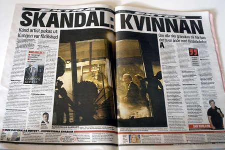 polictis: DENMARK  COPENHAGEN .Aftonbladet swedish toiblad cover page store about Swedish King carl Gustva scandel in book 3 Nov. 2010